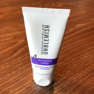 *NEW SEALED* Rodan and Fields Unblemish SPF Lotion
